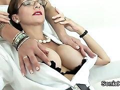 Nezvesti britanski zrela dama, amateur mature pussy vacumm utripa njene velike joške