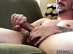 Solo hunk jerks and cums