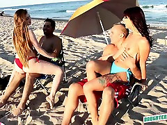 Smoking hot ammy ki pron video babes Kobi Brian and Gina Valentina
