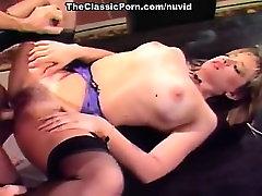 Taija रायबरेली, mude girls Leslie में क्लासिक 80 के अश्लील वीडियो के साथ