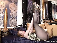 Hot xxx bhojpuri dance 720p in sexy pantyhose.