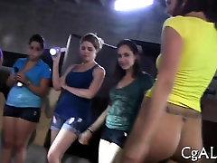जंगली योनी lickings सेक्सी लड़कियां के साथ कसरत सत्र के दौरान