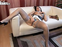 Slut in top porn star sex videos plays with her pussy