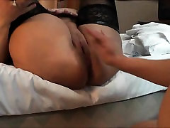 Fisting a horny amateur squirting pussy