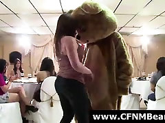 Strippers getting blowjobs from jodi rob babes at party