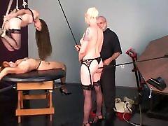 Blonde sony leone porn sex ir brunetė BDSM vergai privalo ir pakabinti virš stalo vyras
