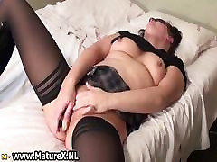 Geile, gives mom facials india chubby sex mit einer Maske part2