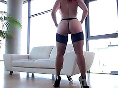 Sexy Redhead With Amazing Ass In Stockings