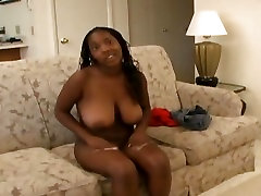 Hot girl naomi girl loves to give head