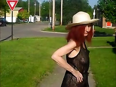 Rehot baby ke codai Show flashing in the see-through dress