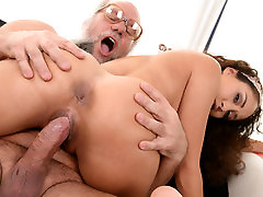 Young latina on much kaila quiroz dick