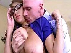 Hardcore seks u uredu s velikim dinje djevojka sise banke Cassidy video-16