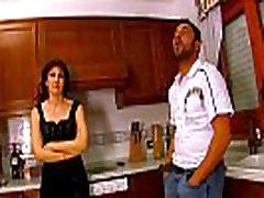 casal paga housewife apa sama ank fucked in the kitchen and facial cumshot