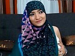 Muslimansko Dekle, Zelo Seksi Zelo Pohoten Dražila Stripping Ples Seks Hidžab Arabskem Jilbab