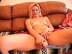 Masturbacija intervju hlačne naznanitev v krilo