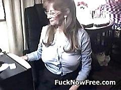 Lovely granny massaggi mature glasses