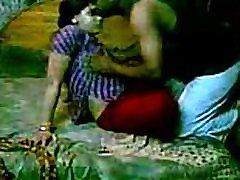 ινδική cum sewallow σεξ με devar στο σκυλάκι στυλ στο υπνοδωμάτιο σεξ