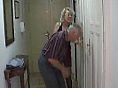 Čehijas blondīne ir tricked vērā nobriedis seksam