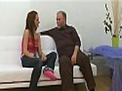 Young heat girl xnxx gives a blow to old pecker