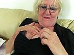 Anglų granny Claire Riteris reikia, kad įdaryti jausmas