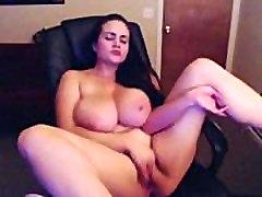 Ragveida Liels Vientiesis Meitene Masturbē Par Cam - Vairāk pie FriskyCams.net