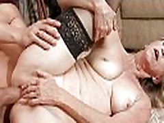 Hot xbxxc mom in a banging action
