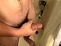 Hollywood males actor women gum lesbian fuck in the car video Leo was in the shower alou porn playing