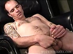 Mature Amateur Andrew Jacking Off