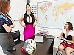 Teacher sara jay fuck pupil gia in class - More Videos at DailySex.club