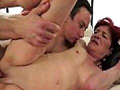saxy 17 grannys shavedpussy fucked