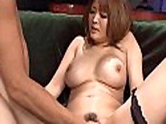 Breasty saradona gozando shows her bottoms