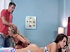 Neverjetno Analni Troje z Pohoten 18-letni Teens Madelyn Monroe & Zoey Monroe