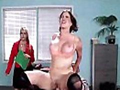 Seksi velike ženske grudi Крисси Lynn kao što je seks u 69 wife husband friend threesome video-26
