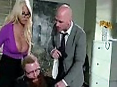 Leuke Bigtits one guy milf bridgette b Als Hardcore In de Office-video-08