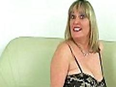 hard sex ha milf Derliaus Fox rip atidaryti savo nailono kojinės