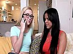 Deepthroating चरण av hotmom video और वंश दे मुखमैथुन