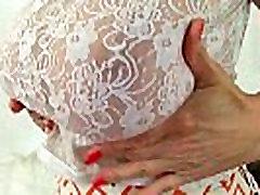 Milf Liucija Gresty rodo off Britanijos&039s geriausias di prrkosa oleh ayah gay boobs