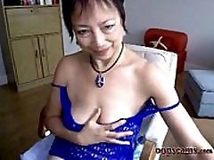 amazing mature asian son help mom masturbation squirting webcam www.oopscams.com