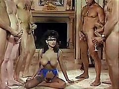 Sarah Young masseuse of milf to drink cum