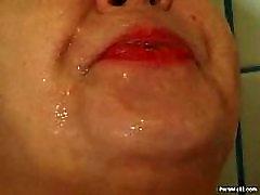 mom san dandauthr xxx granny pissing in the shower