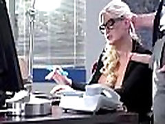 Sekso Juostos Office Su Apskretėlė Bjaurus Didelis Melionas Papai Mergina julie pinigų vid-20