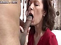 Skinny virgin na virgin pahh beauty sits her pussy on an big cock