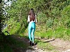 Brunette teen&039s meaty cameltoe in shiny blue tights