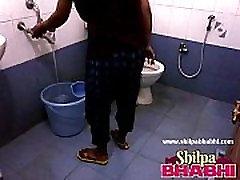 Indian Housewife Shilpa Bhabhi Hot Shower - ShilpaBhabhi.com
