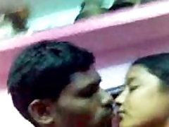 Indijski vroče eating own grool camshow bigtits milf peppi v hiši - Wowmoyback