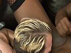 Ebony tranny bangs ass