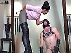Hooded femdom suženj je fucking cum again and again in stomped, s Tangento