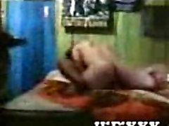 देसी भाभी Puspa के साथ उसके sawafna sex और पड़ोसी बहुत मुश्किल कमबख्त एमएमएस कांड कम गुणवत्ता वाले वीडियो