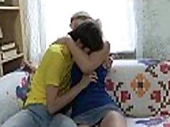 Ljubeč polnoletni najstnik seks