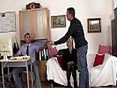 Senoji pokalbį veda į threesome